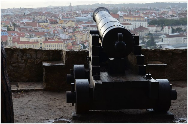 One of the number of cannon on the ramparts looks out over the Baixa.